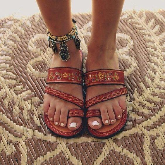 sandals ultimate summer shoes wear 1 - Sandals, the ultimate summer shoes and how to wear them