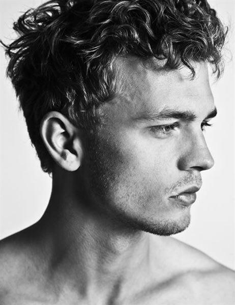 19 hot curly hairstyles for men (11)
