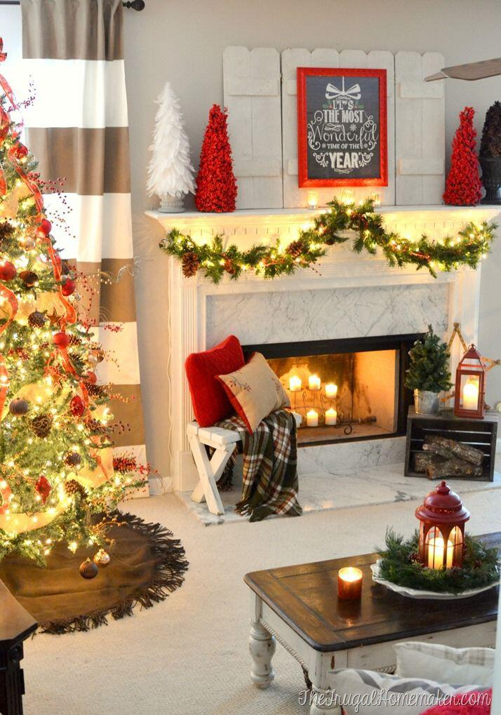 Beautiful christmas decorations for your living room for Beautiful christmas decorating ideas