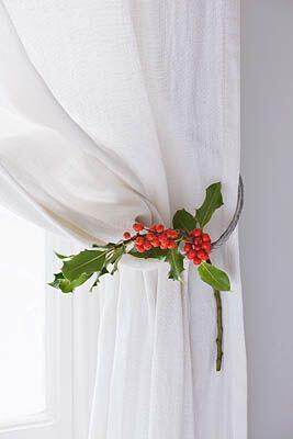 decorate curtains christmas style 1 - Decorate the curtains in Christmas style