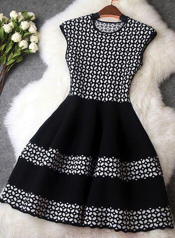 chic-dresses-black-white-1