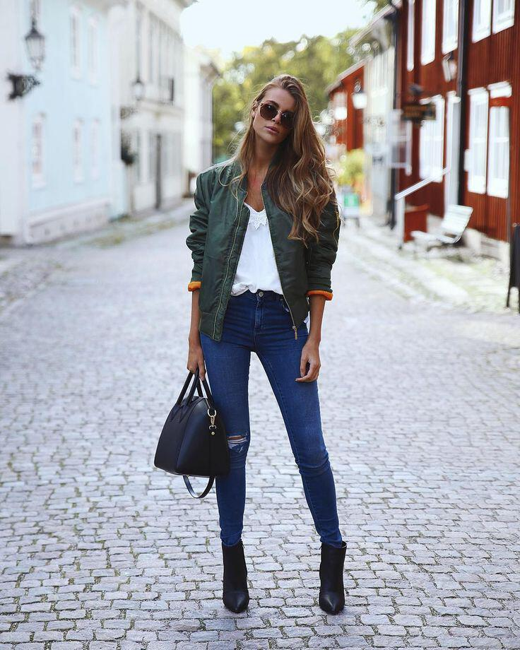 street-style-outfits-bomber-jacket
