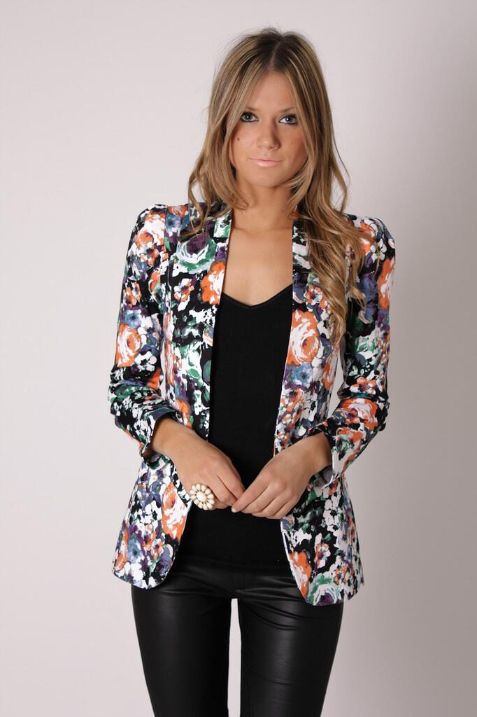 style-outfits-floral-blazer-5