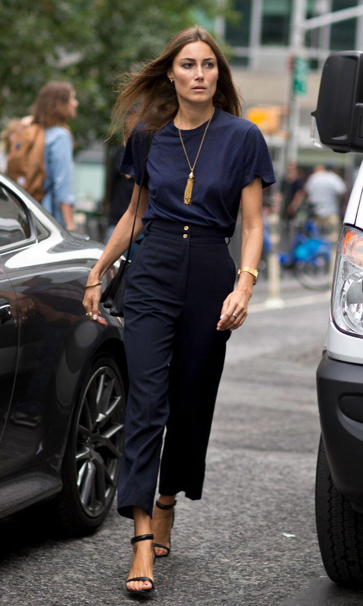 Plain black t shirt style - 5 Stylish Ways Wear Plain Black T Shirt