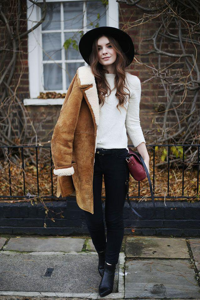 6-stylish-ways-wear-brown-sheepskin-coat-5