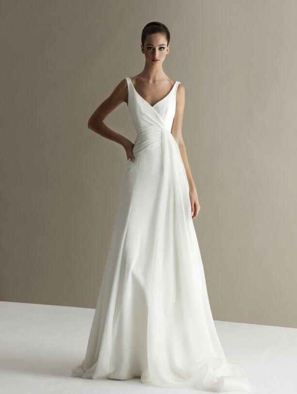 6 plain wedding dresses chic simple style 1
