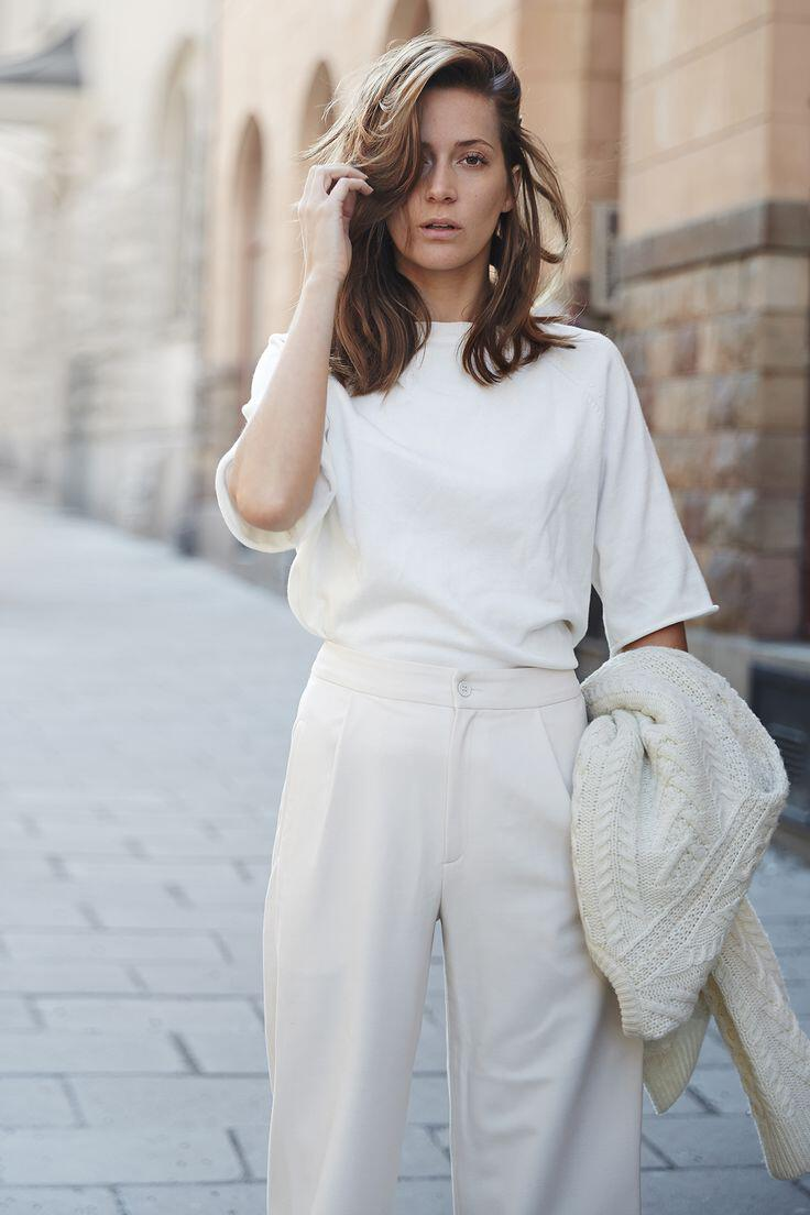 6-total-white-outfits-spring-summer-1