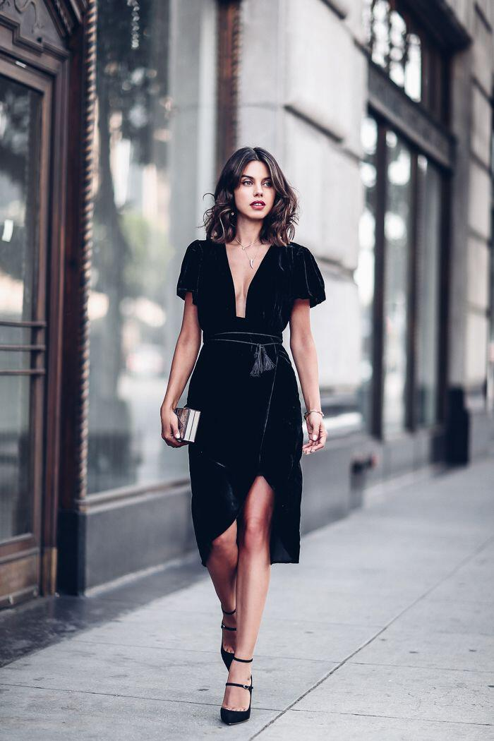 15 Velvet Dress Options That Will Make You Look Amazing In New Years