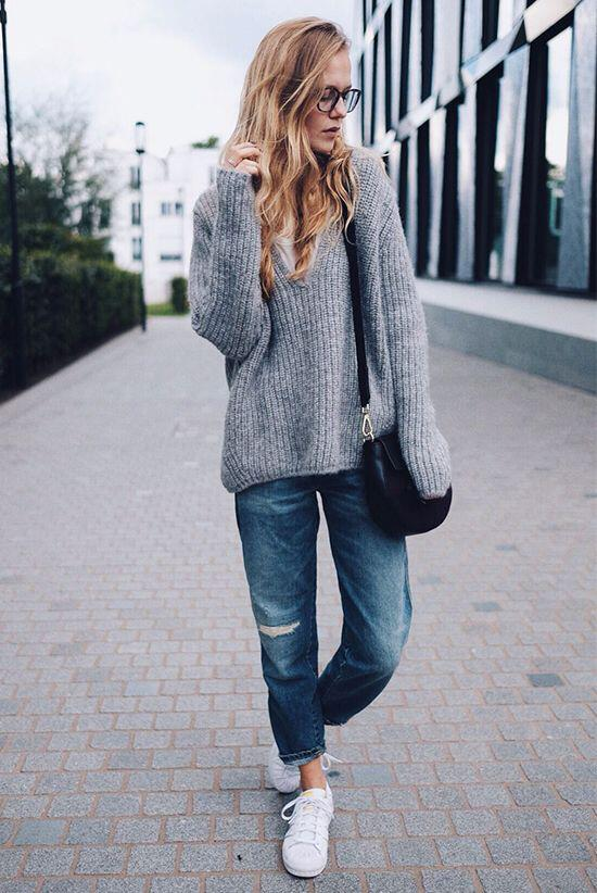 b7b608e924 25 stylish winter outfits with boyfriend jeans and sweaters - Page 2 ...