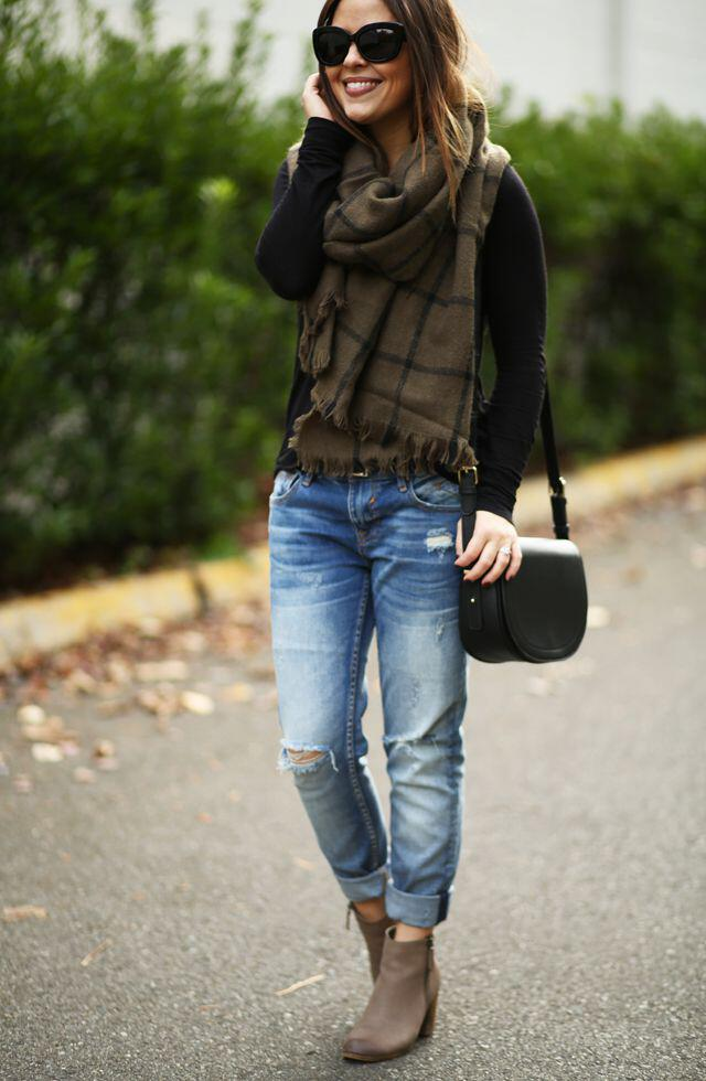 25 stylish winter outfits with boyfriend jeans and sweaters 4 - Πως να φορέσεις boyfriend jeans με πουλόβερ το χειμώνα - 8 outfit ideas