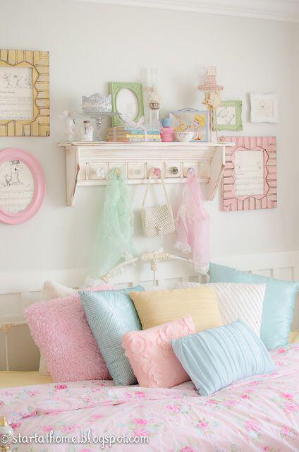 Pastel bedroom accessories