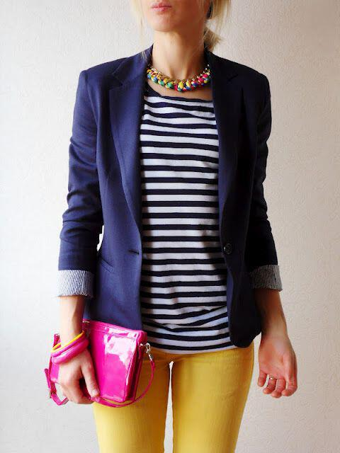 19 outfit ideas to wear your yellow jeans this spring 1 - 19 outfit ideas to wear your yellow jeans this spring