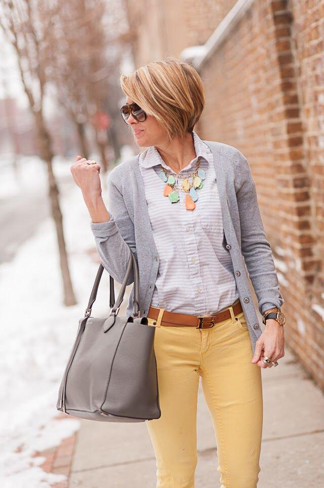 19 outfit ideas to wear your yellow jeans this spring 9 - 19 outfit ideas to wear your yellow jeans this spring