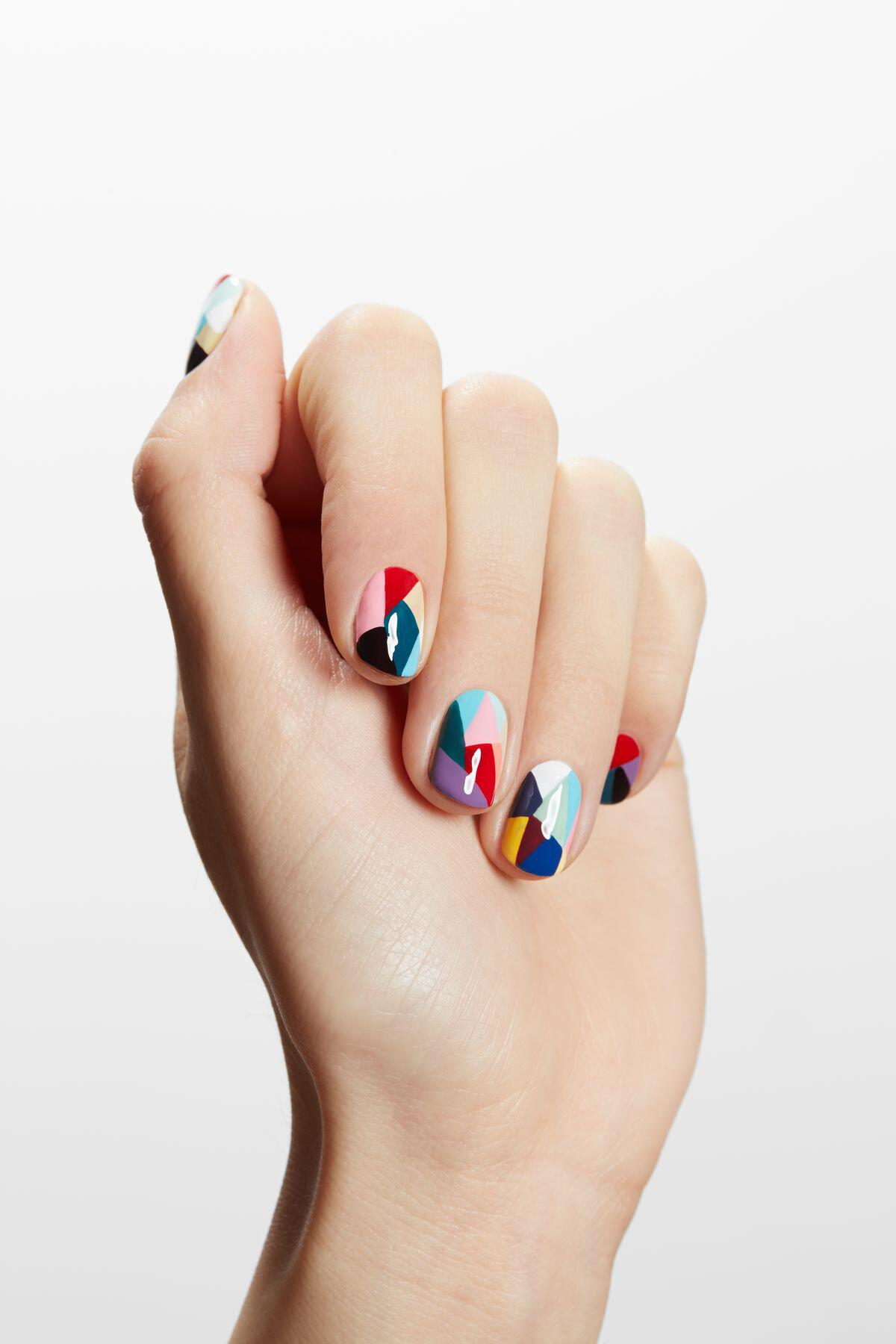 geometric nailart 15 designs 13 - Geometric nailart 15 best designs to copy