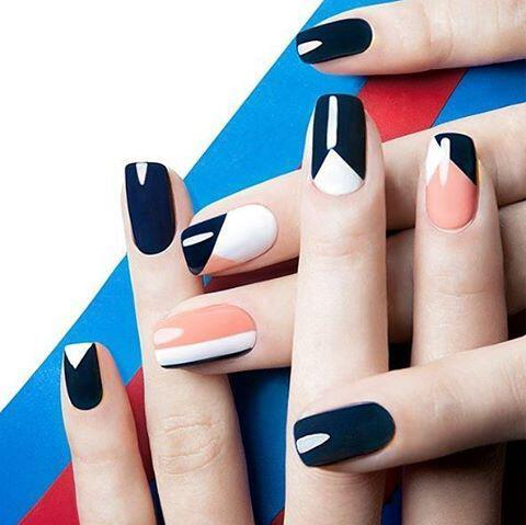 geometric nailart 15 designs 3 - Geometric nailart 15 best designs to copy