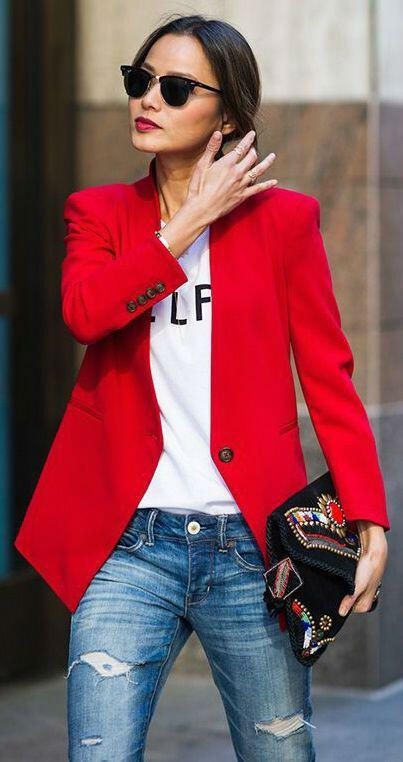 11 inspiring ways to wear your red blazer right now 3 - 11 inspiring ways to wear your red blazer right now