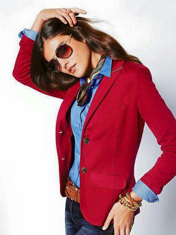 11 inspiring ways to wear your red blazer right now 8 - 11 inspiring ways to wear your red blazer right now
