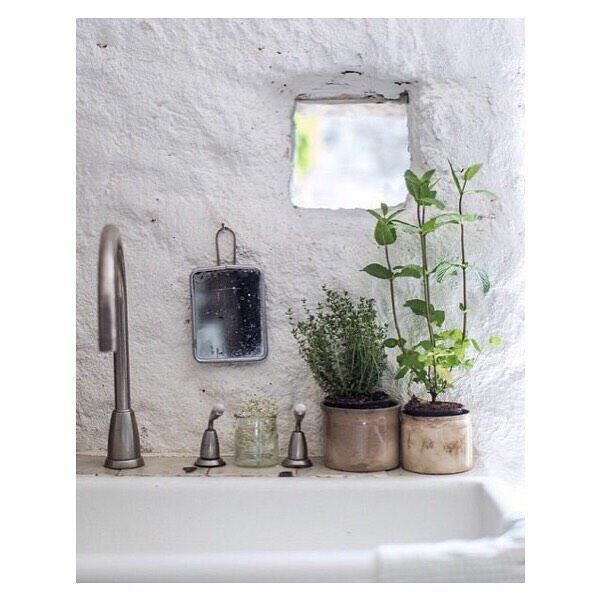 Bathroom decor pictures and ideas for Spring bathroom decor