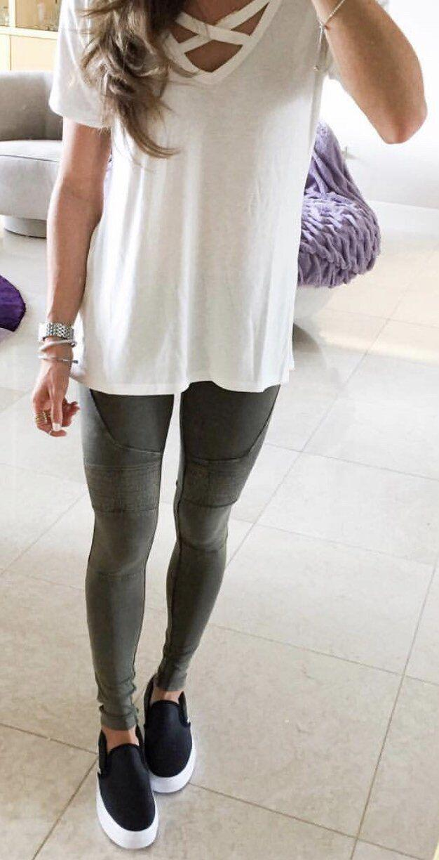 14 casual spring outfits with leggings that you can wear