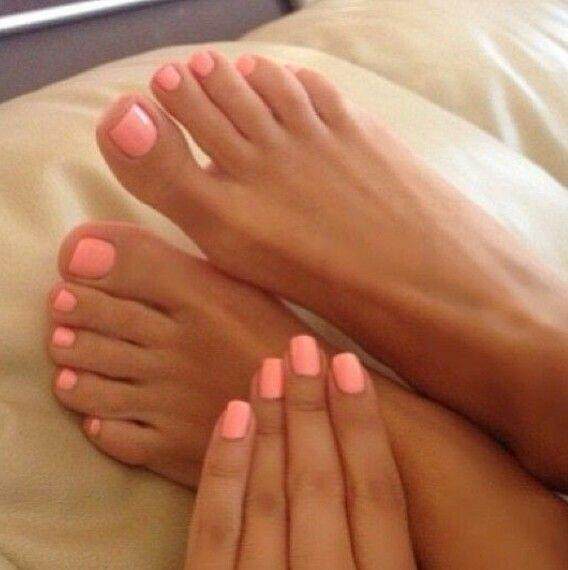 15 beautiful neon summer nails that will get you ready for the beach 4 - 15 beautiful neon summer nails that will get you ready for the beach