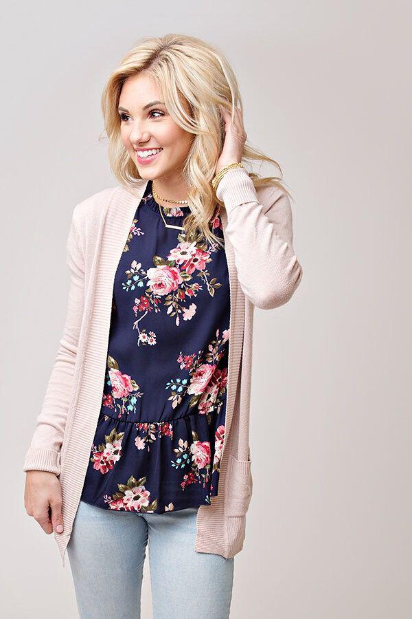 9 casual work outfits with a floral top 3 - 9 casual work outfits with a floral top