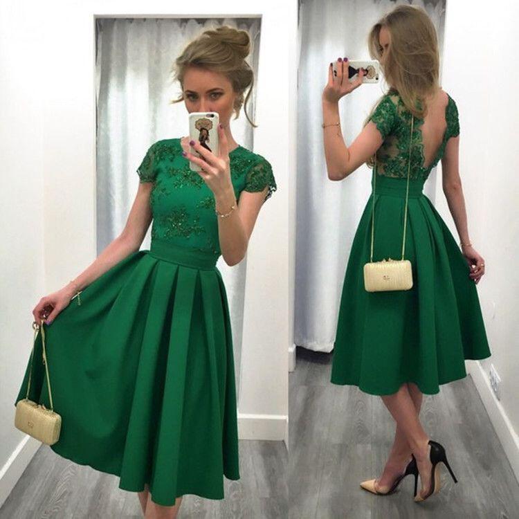 14 stylish ideas to wear an emerald green dress 11 - 14 stylish ideas to wear an emerald green dress