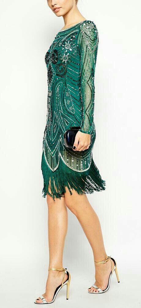 14 stylish ideas to wear an emerald green dress 6 - 14 stylish ideas to wear an emerald green dress