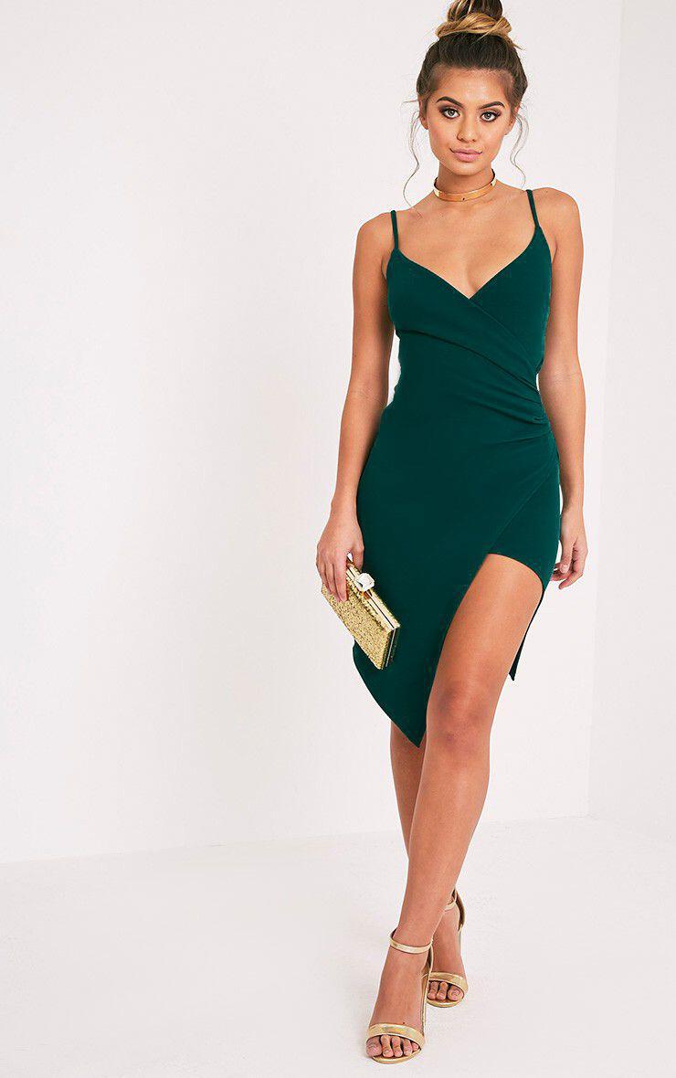14 stylish ideas to wear an emerald green dress 9 - 14 stylish ideas to wear an emerald green dress