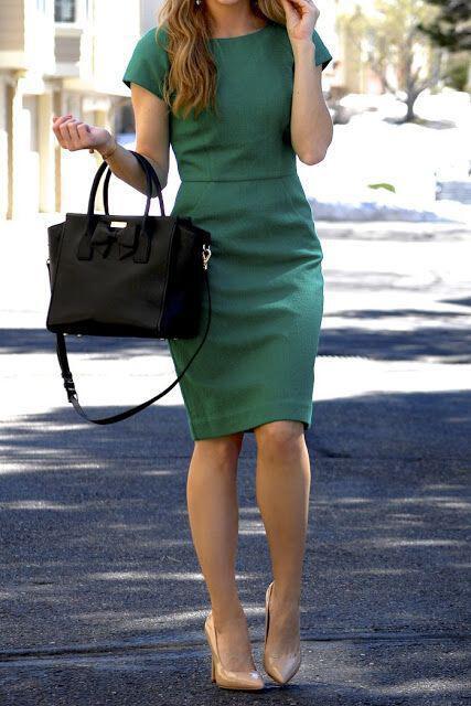 71feca6028b8 14 stylish ideas to wear an emerald green dress ...