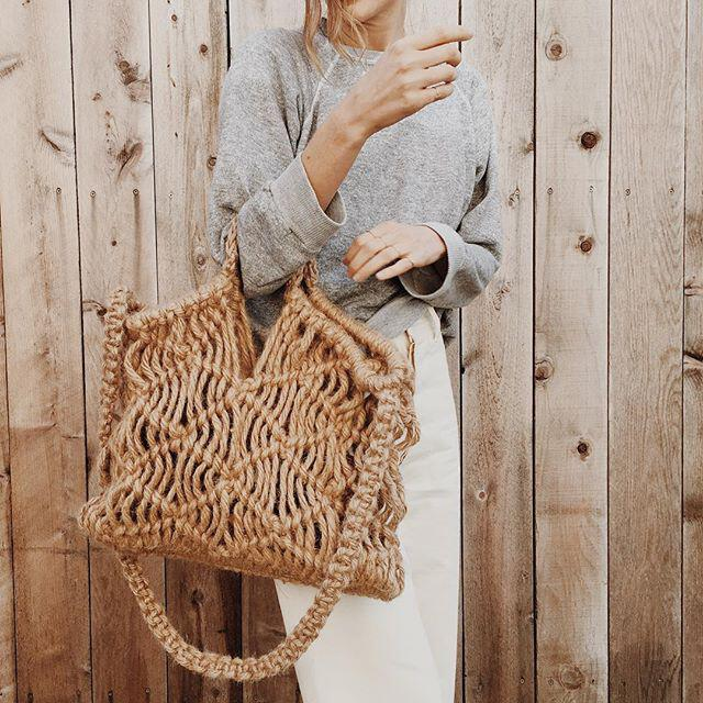 15 stylish woven bag outfits for the summer 5 - 15 stylish woven bag outfits for the summer