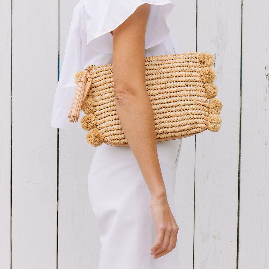 15 stylish woven bag outfits for the summer 7 - 15 stylish woven bag outfits for the summer