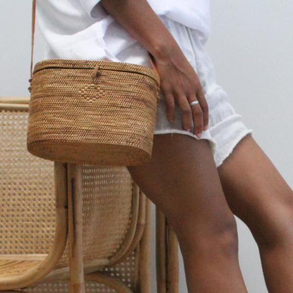 15 stylish woven bag outfits for the summer 8 - 15 stylish woven bag outfits for the summer