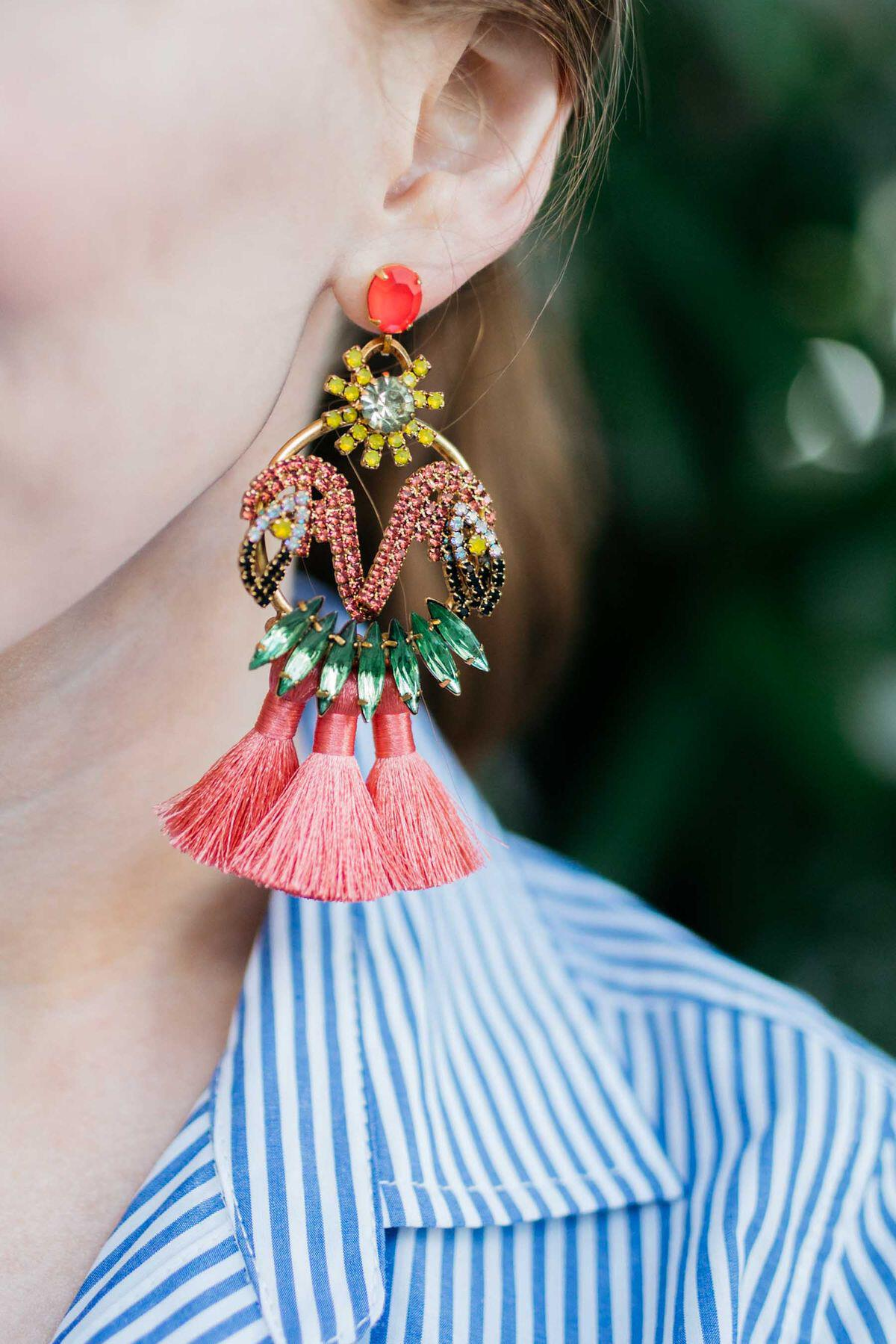 15 flattering ways to wear statement earrings 10 - 15 flattering ways to wear statement earrings