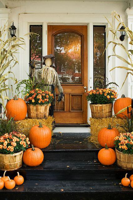 14 amazing fall porch decorating ideas 13 - 14 amazing fall porch decorating ideas