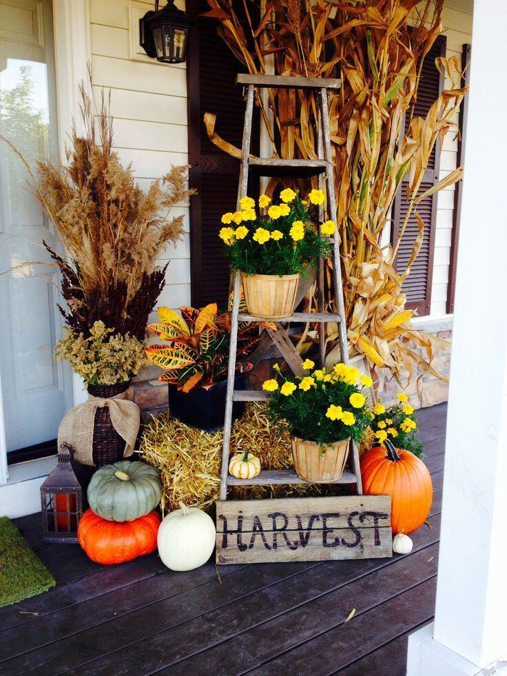 14 amazing fall porch decorating ideas 2 - 14 amazing fall porch decorating ideas