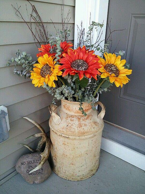 14 amazing fall porch decorating ideas 9 - 14 amazing fall porch decorating ideas