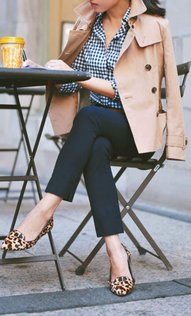 15 gingham shirt work outfits for women 3 - 15 beautiful gingham shirt work outfits for women