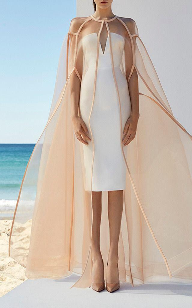 how to wear a cape outfit this fall 15 looks you can copy 9 - How to wear a cape outfit this fall -15 looks you can copy