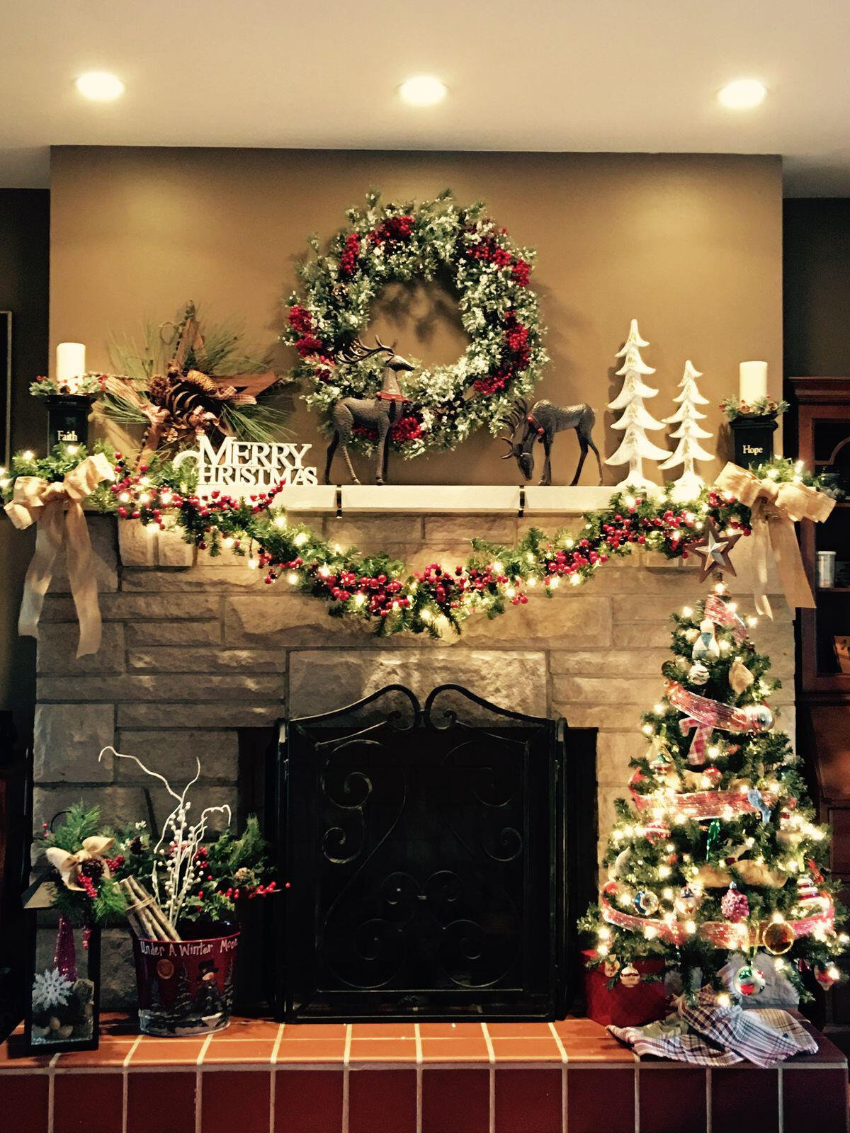 35 beautiful xmas fireplace decor ideas 1 - 35 beautiful xmas fireplace decor ideas