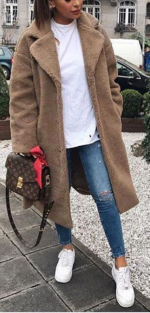 41 casual winter outfits for women that you can totally copy 23 e1515257361314 - 41 casual winter outfits for women that you can totally copy